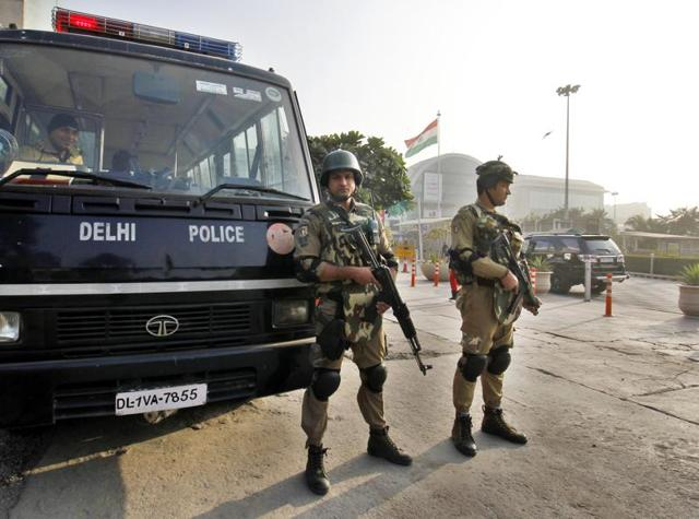 Delhi Police Special Cell Team SWAT alert at Vijay Chowk for the Republic Day 2016 at Raisina Hill in New Delhi. A woman was robbed hours before the Beating Retreat ceremony in Lutyens' Delhi.