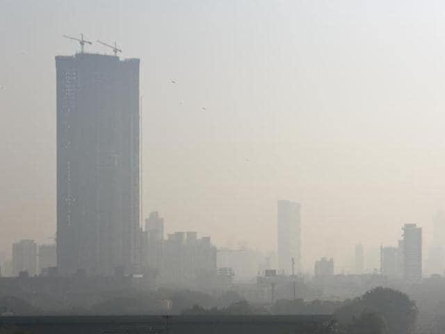 Heavy smog in Mumbai's Lower Parel.