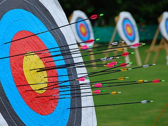 Simpi aims high with traditional bow and arrows, craves professional kit