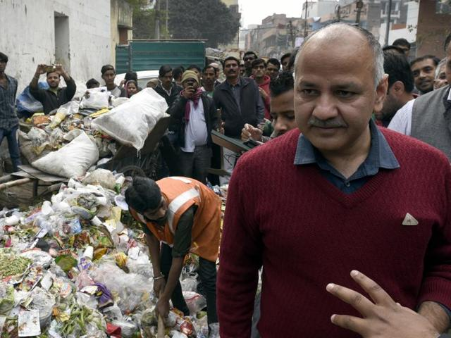 Deputy Chief Minister of Delhi Manish Sisodia with PWD Official's inspection a Garbage ( Dhallav) at Patparganj Village