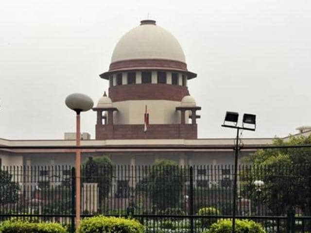 The apex court agreed to the contention that a governor enjoys complete immunity in judicial proceedings.