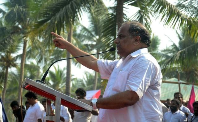 Mudragada Padmanabham continued to demand for reservation for his community of Kapus which constitute over a quarter of Andhra's population.