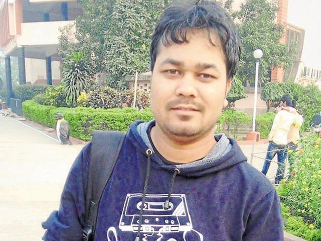 A welder's son from Sanhouli village in Bihar's Khagariya region, the IIT-Kharagpur student is the eldest of six siblings in his family.