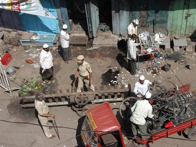 On September 29, 2008, a bomb planted in a motorcycle went off in Malegaon, killing six persons and injuring 101.