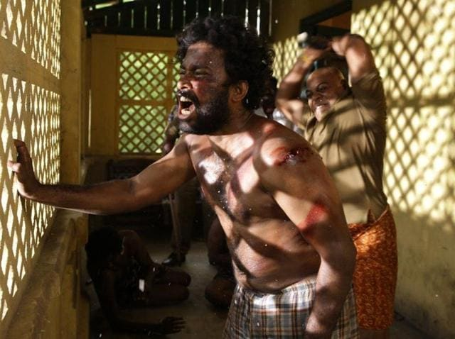 For some critical scenes, director Vetrimaaran needed Dinesh to look tired; so the actor would sleep for just two-three hours to get the look.