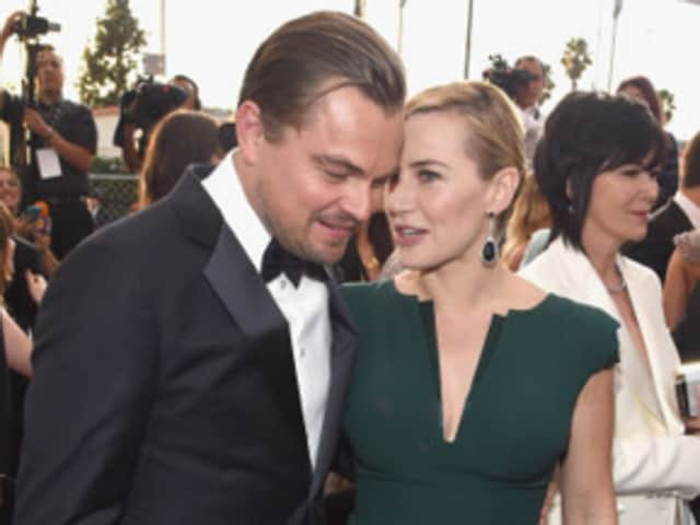 SAG awards again had Leonardo DiCaprio and Kate Winslet being unbelievably adorable on the red carpet.