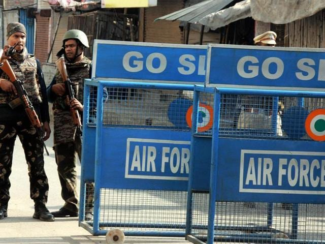 Pathankot terror attack,Pathankot airbase,Indian Air Force personnel