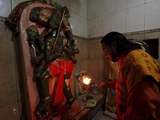 Pakistan,Hindu community,Desecration