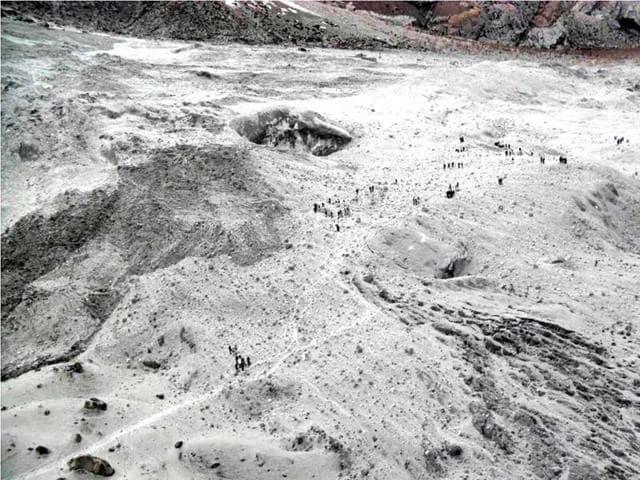 Siachen avalanche,Siachen glacier,Soldier found alive