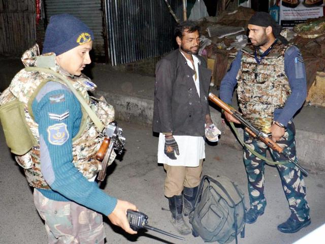 'Pak spy' held in Pathankot booked under Official Secrets Act
