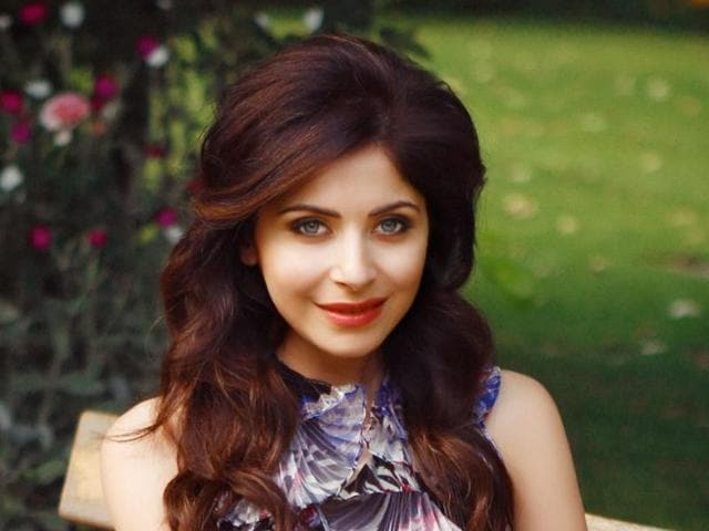 'Baby doll' singer Kanika Kapoor loves cooking and can whip up a great continental meal