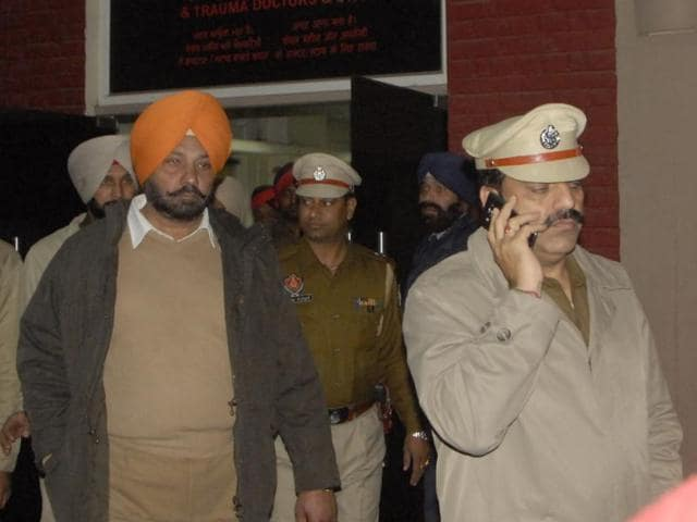 Police at the hospital in Ludhiana where Amit Arora was admitted on Wednesday night.