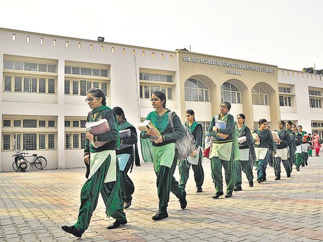 Teachers not 'meritorious' enough, ex-armymen made principals in Punjab