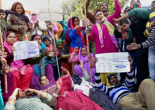Civic workers during a protest at MCD office in Karol Bagh.