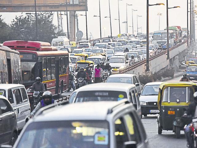 Authorities play blame game as traffic crawls at Ashram Chowk