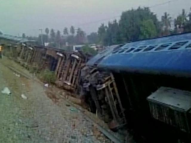 At least 10 people were injured when the Kanyakumari-Bangalore Island Express derailed  early on Friday morning near Tirupathur in Tamil Nadu.  No casualities have been reported.