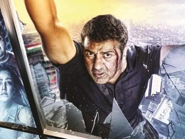 Sunny Deol plays a daring journalist in Ghayal Once Again. (YouTube)