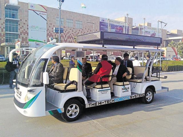 The country's first driverless shuttle, Novus-Drive, ferries visitors at the Auto Expo on Thursday.