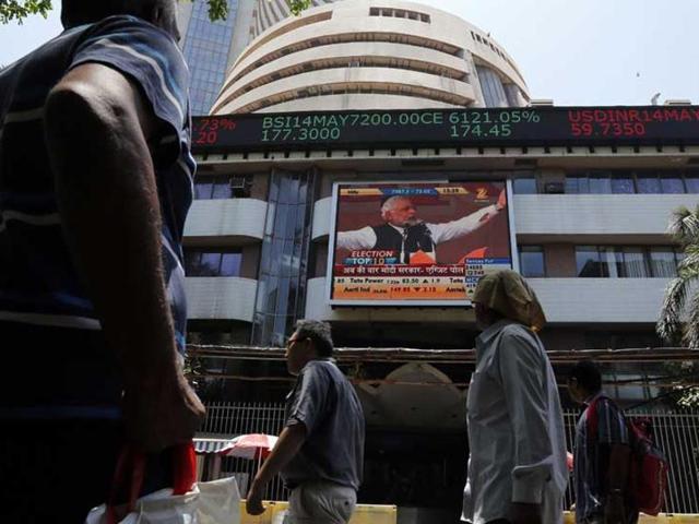 Sensex jumps 279 points, still logs a weekly fall