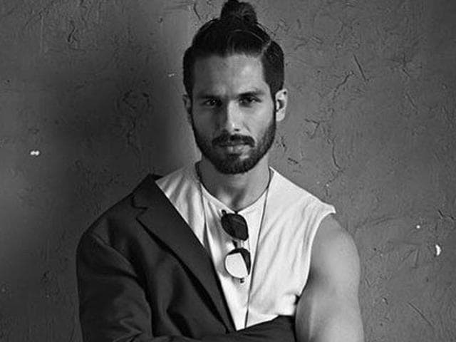 Shahid Kapoor and Mira Rajput have shot an adorable video for Sonam Kapoor.