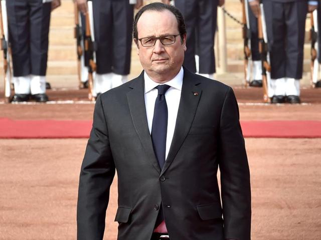 """I think it's fair to say French President Hollande isn't considered the politician people would most want to meet. Well, they're terribly wrong."""