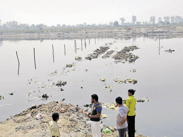 NGT pulls up Haryana, UP for not filing report on sand mining