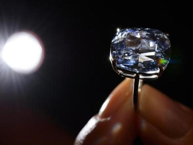 Rs 60-lakh diamonds found at arrested I-T officer's Bathinda house