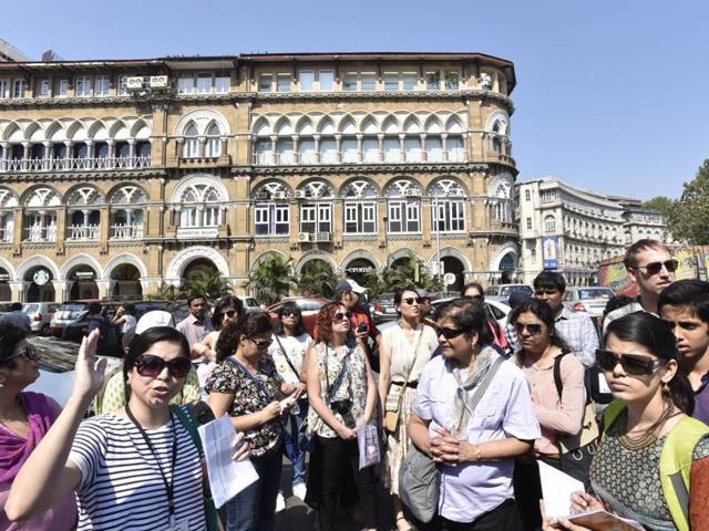 Architect Sanaeya Vandrewala took 40 enthusiastic Mumbaiites on a walk through the banking district of Mumbai on Saturday.