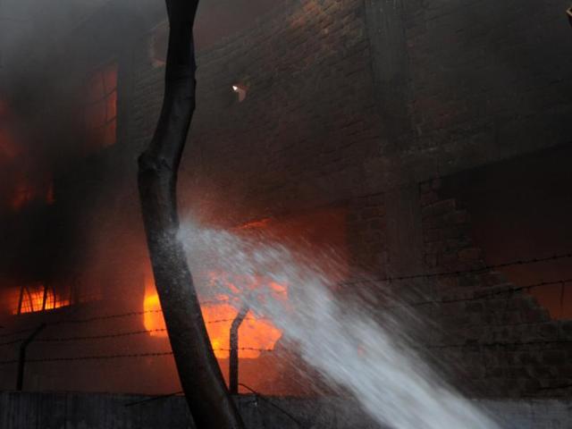 Fire in village kills 10 in southern Pakistan: Police