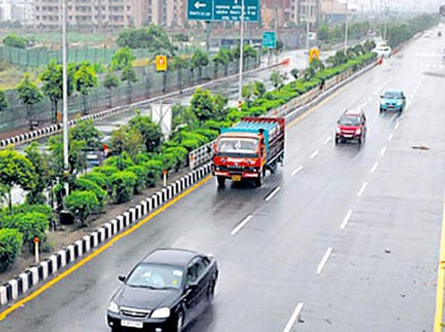 According to the road transport and highways ministry, an additional Rs 1.75 lakh-crore will be required in the next three years to build 15,000 km of highways.
