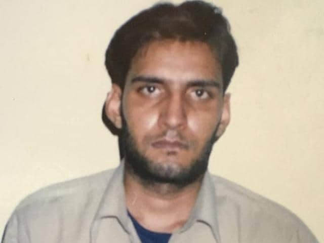 Gangster Sandeep Gadoli, wanted in 36 cases, including murder and extortion, was gunned down at an Andheri hotel on Sunday morning by a crime branch team from Gurgaon, after he refused to surrender.