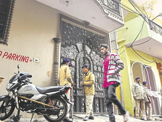 Relatives mourn Arzoo Singh Chauhan's death.