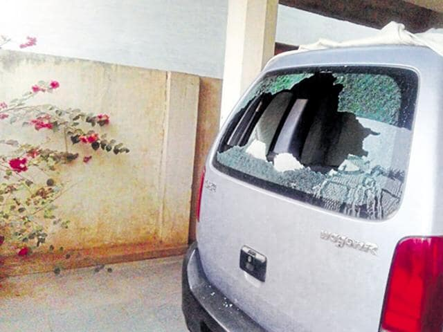 The house of a reporter Malini Subramaniam who writes for Scroll.in, a digital news portal, was targeted by a group of men in Jagdalpur.