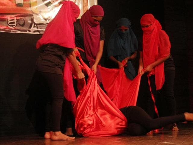 Lal Batti premiered in India on Monday afternoon, as part of the SBI Bank theatre section of the HT Kala Ghoda Arts Festival, after a series of critically acclaimed stagings across the US in May and June last year.