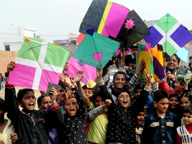 Children participating in the campaign against the Chinese kite string in Bathinda on Monday.