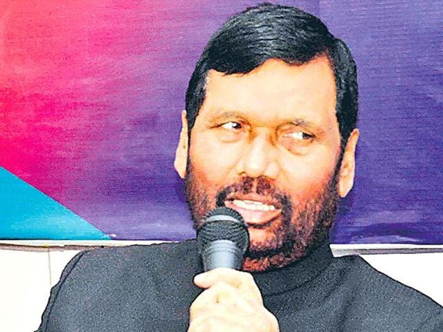 Union minister Ram Vilas Paswan addressing the media in Patna on Monday.