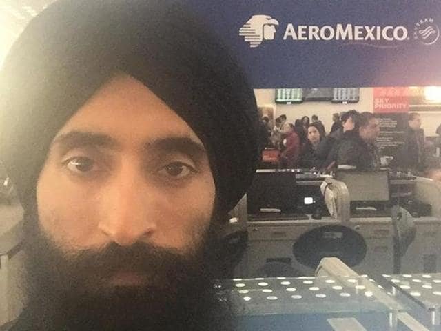 Waris Ahluwalia, an Indian American Sikh  man  was barred from boarding his flight home from Mexico City Monday for refusing to remove his turban.