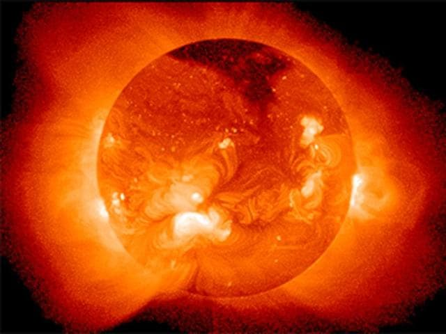 Chinese scientists were able to create an artificial sun for 102 seconds at the Institute of Physical Science inHefei.