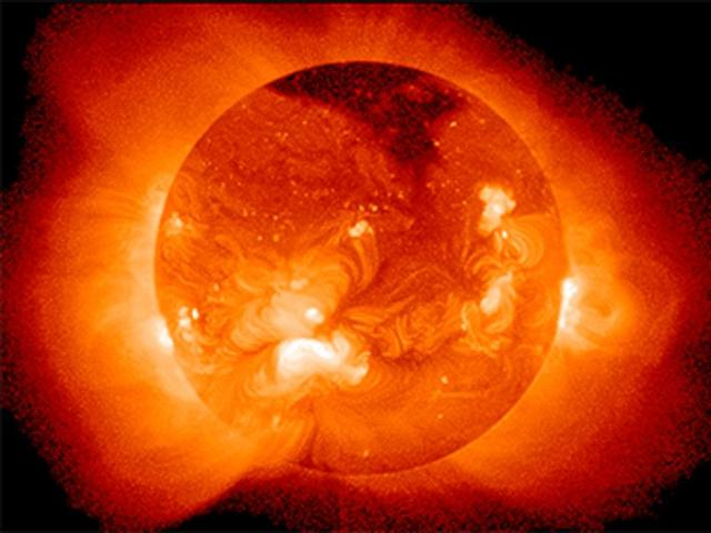 China creates artificial star 8,600 times hotter than sun's surface
