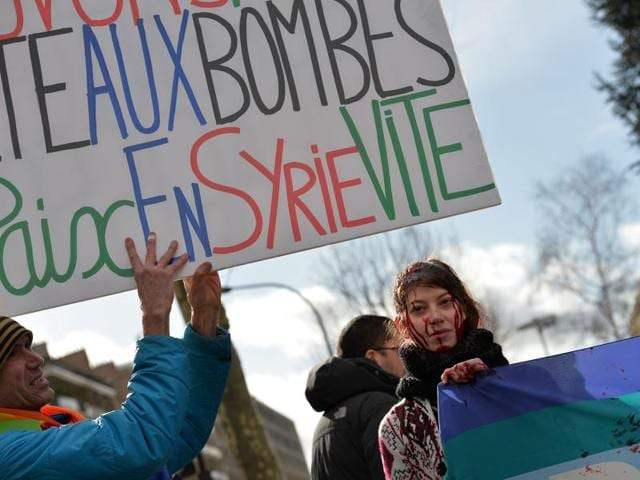 Let's save Aleppo, stop the bombs: A demonstration in front of the Russian Embassy in Paris to demand a stop to the bombardment of Aleppo and an alternative peace plan for the conflict in Syria.