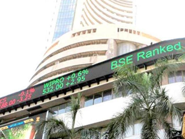 Sensex slumps 262 points to end at 21-month low, Rupee closes stronger