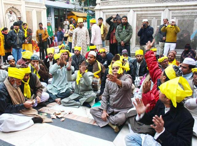 Special qawwali programmes are organised on this day and spring songs are dedicated to Hazrat Nizamuddin.