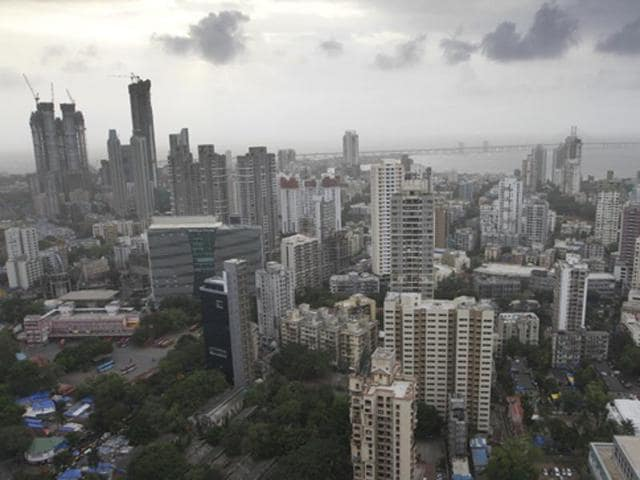 The Mumbai Metropolitan Region (MMR) was worse off with 2.10 lakh unsold houses from 1.92 lakh three months back.
