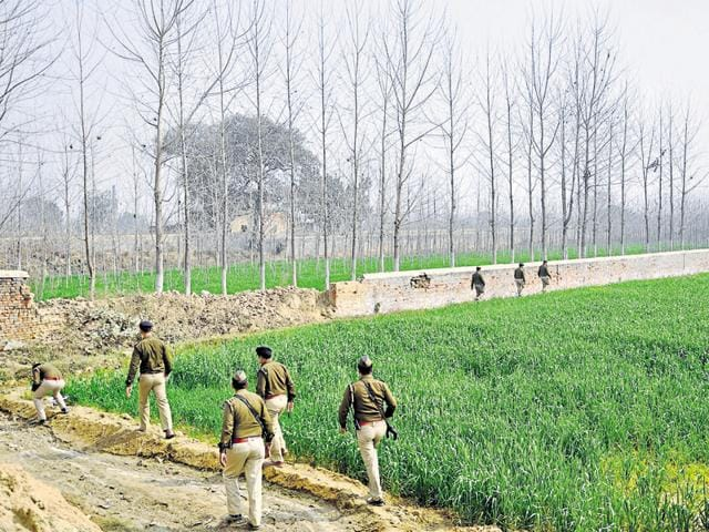 The police are combing through slum areas in Nand Gram and the jungles near Morti village and river Hindon in an effort to trace the abducted Snapeal executive.