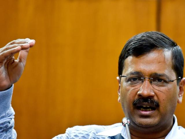 The announcement was made soon after a delegation of political leaders met Kejriwal and requested him to launch a probe to establish the authenticity of the evidence in the incident.(Ravi Choudhary/HT)