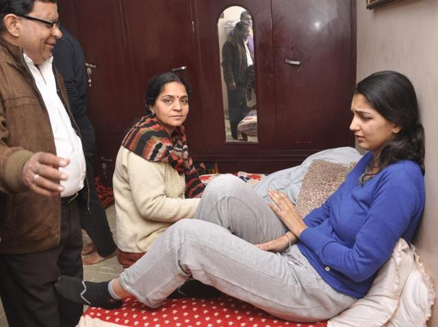 Snapdeal employee Dipti (right), who was abducted two days ago, has been traced and has reached her home in Ghaziabad.