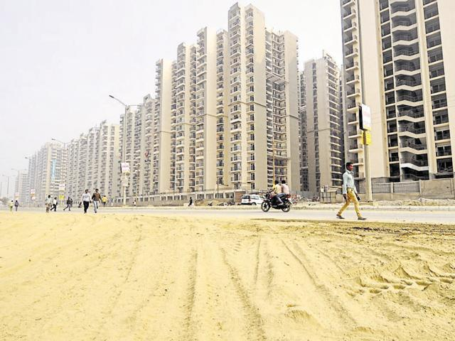 Greater Noida West,dust pollution,construction activities