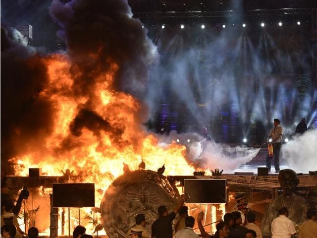 A huge fire broke out on the stage during a cultural programme in Mumbai.