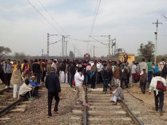 Jat protestors blocked Delhi- Rohtak railway track and stopped two local trains in Ismaila village to further intensify their protest.