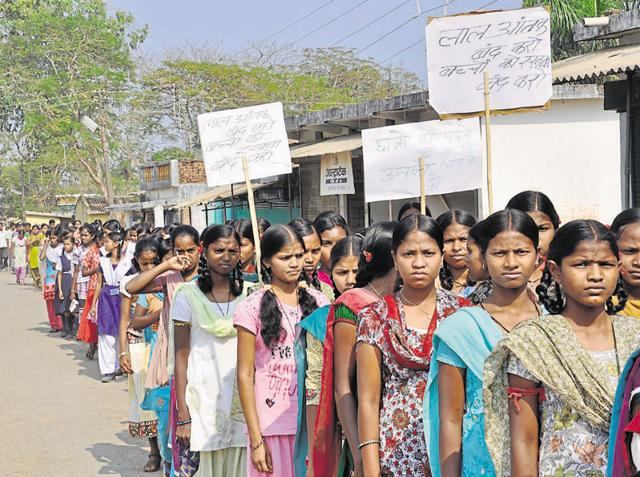Chhattisgarh,Children face Maoist threat,Extremism